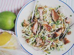 Fresh cabbage-celery salad with warm smoked salmon | Raikas kaali–selleri–savulohisalaatti | Suusta suuhun