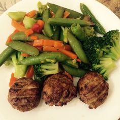 Albóndigas de pavo al horno y vegetales al vapor
