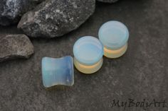 Gorgeous Opalite (White) Stone Ear Gauges, Ear Plugs, Ear Tunnels, Ear Stretchers, Flesh Tunnels, Flesh Plugs, Organic Gauges, Plugs ***This Listing is for 1 Pair*** What is the size of these piercing