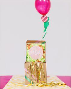 balloon wedding favors