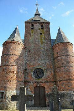 Clocher-donjon .Eglise Saint-Hilaire (église fortifiée - XVIIe) .Autreppes (Aisne - Thiérache) - Picardie