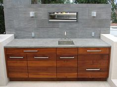 Outdoor Concrete Kitchen Counter Top in Silver Etch by Ernsdorf Design