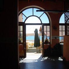 #beach #santacaterinadipittinuri #mare #windows #giochidiluce #photography #sardegna #terrazzamare #blu