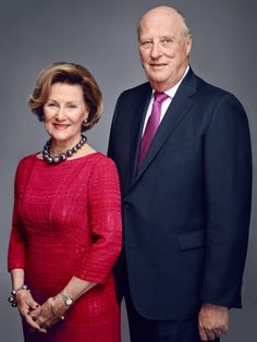 kongehuset.no:  The Norwegian Royal Court released new photos of the Royal Family, 2016-King Harald and Queen Sonja; King Harald will mark 25 years on the throne, January 17, 2016