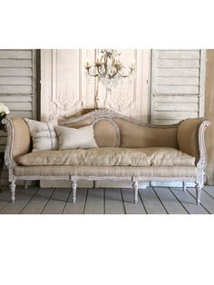 Adding That Perfect Gray Shabby Chic Furniture To Complete Your Interior Look from Shabby Chic Home interiors. Shabby Chic Bedrooms, Shabby Chic Homes, Shabby Chic Decor, French Furniture, Shabby Chic Furniture, Vintage Furniture, Vintage Sofa, French Decor, French Country Decorating