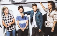 #HQ   Louis and the boys for the new merch!