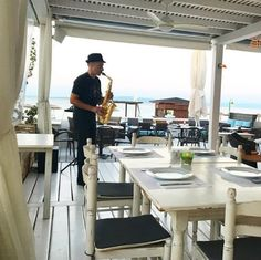 Ready to be serenaded while having a delicious, Mediterranean meal at (📸: Beach Hotels, Beach Resorts, Mediterranean Recipes, Vacation Destinations, Office Desk, Summertime, Relax, Luxury, Life