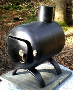 rocket stove and grill Metal Projects, Welding Projects, Gas Bottle Wood Burner, Mini Wood Stove, Tent Stove, Diy Fire Pit, Fire Pits, Stove Oven, Stove Fireplace
