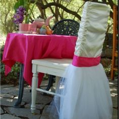 Bride's chair for a bridal shower!! Please one of my girls make this for me!