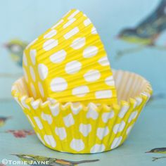 Yellow & white spot cupcake cases from Tala Polka Dot Cupcakes, Easter Cupcakes, Cupcake Cases, Baking Cups, Pastel Pink, Yellow, Pretty