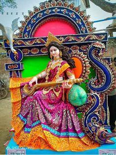 Saraswati Murti, Durga Ji, Saraswati Goddess, Saraswati Statue, Jai Maa Saraswati, Shiva Parvati Images, Lakshmi Images, Saraswati Picture, Indian Goddess