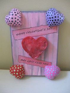 Valentine's Day Plaque Craft Tutorial, 2014 Valentines Day crafts, Creative Crafts for 2014 Lovers Day   #2014 #Valentines #day #craft  #romantic www.loveitsomuch.com