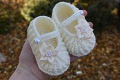 Cream Handmade Crochet Knitted Baby Babies Infant Girl boots booties sandals Pram shoes Mary Jane,Newborn Gift,Baby shower gift,Photo prop Baby Girl Boots, Baby Booties, Baby Shoes, Knitted Baby, Baby Knitting, Crochet Baby, Newborn Gifts, Handmade Baby, Baby Shower Gifts