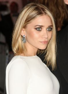 ashley olsen -- beautiful hair, makeup, earrings