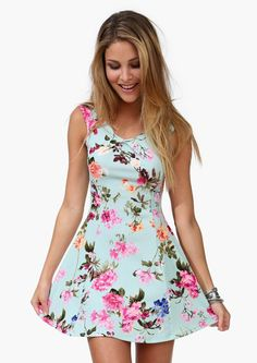Very cute dress, love the colors.