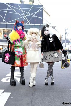 Three Harajuku shironuri wearing handmade and vintage fashion along with items from Takuya Angel, Emily Temple, and Parabolica-Bis. Japan Street Fashion, Tokyo Street Style, Tokyo Fashion, Harajuku Fashion, Kawaii Fashion, Lolita Fashion, Trendy Fashion, Harajuku Style, Fashion 2015