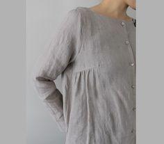 Платье со сборкой от нагрудной вытачки.