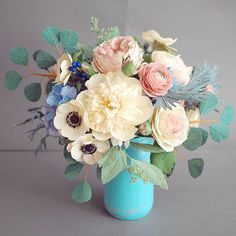 "708 Likes, 19 Comments - Christinepaperdesign (@christinepaperdesign) on Instagram: ""Paper flowers centerpiece :) #paperflowers #handmade #centerpiece #paperflowerbouquet"""