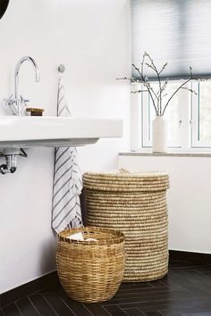 Seagrass basket | Floating bathroom vanity