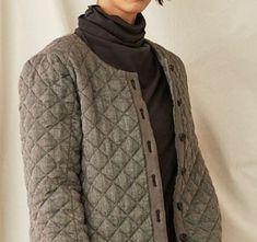 라르니에 정원 LARNIE Vintage&Zakka Clothing Boxes, Vest, Turtle Neck, Sweaters, How To Wear, Jackets, Clothes, Fashion, Down Jackets