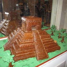 Temple of Kukulka  New Yorks Butterfly Bakeshop created a gingerbread Temple of Kukulka, a remnant of the Chichen Itza, an ancient city from the Mayan empire. delish.com by iris-flower