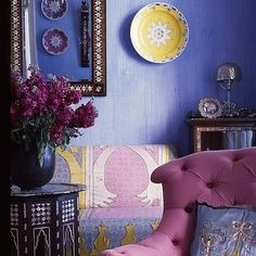 Love the color combination yellow,  & violet shades! Arab home decor.