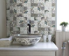 Patchwork tile designs have charming country home decorating look and offer stylish bathroom and kitchen backsplash ideas. Artistic Tile has created modern tile design that are ready to bring the patchwork decoration patterns into your modern home interiors. Lushome presents these beautiful interior