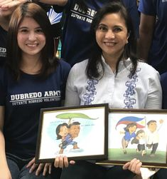 VP Leni Robredo poses with Dubredo Army founder, Jam Ong, and the Duterte-Robredo artworks from the group's graphic artist, Hyks Gantioqui. Everyone Knows, Artworks, Believe, Army, Poses, Board, Artist, Gi Joe, Figure Poses