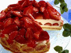 Dank Joghurt wird die Torte leicht. Joghurttorte mit Erdbeeren - smarter - Zeit: 2 Std. 50 Min.   eatsmarter.de