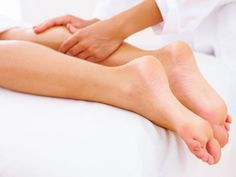 Maximizing the value of a sports massage is key to reap the full benefits of the therapy. Contrary to what you may think, there are optimal times for massage. Massage Images, Massage Center, Massage Business, Salud Natural, Sports Massage, Thai Massage, Massage Benefits, Good Mental Health, Ideas