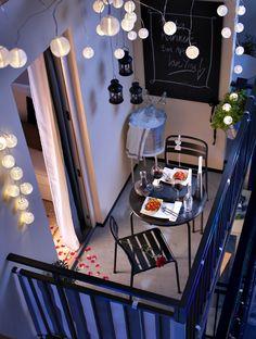 Perfekte Inszenierung für den kleinen Balkon - Planungswelten www.planungswelten.de
