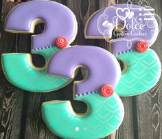 Mermaid Under The Sea Birthday Cookies - 1 Dozen Pcs) by Dolce Custom Cookies on Gourmly Little Mermaid Cakes, Little Mermaid Birthday, Little Mermaid Parties, The Little Mermaid, Girl Birthday, Birthday Ideas, Mermaid Cookies, Disney Cookies, Cookie Designs