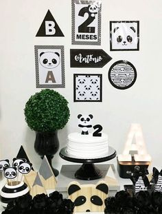 50 Ideias Festa Panda 41 Panda Themed Party, Panda Party, First Birthday Party Themes, Boy Birthday Parties, Panda Birthday Cake, Panda Baby Showers, Panda Painting, Panda Cakes, Party Decoration