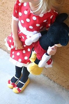 Sans the red and white bow.I would do a matching yellow bow instead Mickey Mouse Dress, Minnie Dress, Mickey Minnie Mouse, Baby Girl Birthday, 3rd Birthday, Birthday Ideas, Mini Mouse Costume, Kids Outfits, Cool Outfits