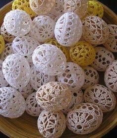 """Horgolt tojások húsvétra! Díszítésre, ajándéknak, locsolóknak!  Kettő fél """"csillag"""" összehorgolásából áll. séma  2 3 4 jelmagyarázat A sémák tájékoztató jellegűek és egy lehetőség a kínálat bővítésére. Nem..."""