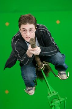 Broomsticks were mounted onto special rigs to allow the cameras to capture the green-screen moments, these could then be edited by the Special Visual Effects team.