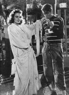 Jimmy Stewart and Donna Reed behind the scenes of It's a Wonderful Life This film is one of the reasons why I love Christmas as I just love watching it! Hollywood Stars, Classic Hollywood, Old Hollywood, Hollywood Images, Wonderful Life Movie, Donna Reed, Cinema, Actrices Hollywood, Christmas Movies