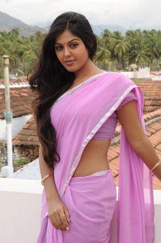 Exclusive stunning photos of beautiful Indian models and actresses in saree. Beautiful Saree, Beautiful Indian Actress, Beautiful Actresses, Beautiful Women, Beautiful Celebrities, Beautiful Eyes, Beauty Full Girl, Beauty Women, Beauty Girls