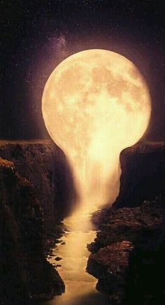 21 Stunning images of the moon that make you think whether .- 21 Atemberaubende Bilder vom Mond, die Sie denken lassen, ob es real ist oder nicht 21 Stunning images of the moon that make you think if it& real or not - Cool Pictures, Cool Photos, Beautiful Pictures, Mystical Pictures, Amazing Photos, Funny Pictures, Beautiful Moon, Beautiful Places, Stunningly Beautiful