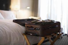 Darum sollte man seinen Koffer im Hotel nicht auf den Boden stellen