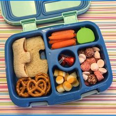 The Lucky Lunchbox/ Puzzle shaped PB&J packed in the Bentgo Kids lunchbox