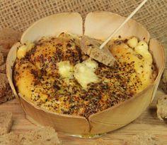 Brânză coaptă cu usturoi