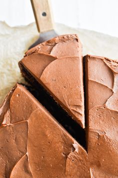 Ina Garten's Chocolate Cake Recipe is the ultimate chocolate layer cake from the Barefoot Contessa herself ~ it makes the perfect birthday cake! Easy Cake Recipes, Baking Recipes, Dessert Recipes, Cheesecake Recipes, Dessert Ideas, Yummy Recipes, Yummy Food, Chocolate Flavors, Chocolate Recipes