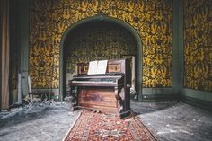 castle piano Haunting photos of abandoned castles