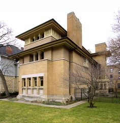 ) Frank Lloyd Wright's Heller House in Chicago.
