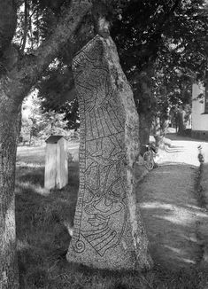 A runestone in Ledberg, Östergötland. The stone has mythological images, possibly from the Ragnarök myth, with the Fenris wolf devouring Odin. Viking Runes, Viking Age, Sweden Cities, Rune Stones, Old Norse, Sweden Travel, 11th Century, Stone Carving, Mythology