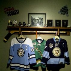 hockey medal holders | ... sports shelf. Can hang hockey jerseys, medals and display trophies