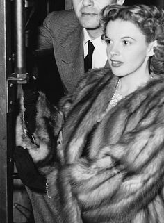 Judy Garland 1940s Hollywood Photo, Old Hollywood Stars, Golden Age Of Hollywood, Classic Hollywood, Vintage Hollywood, Hollywood Glamour, Classic Movie Stars, Classic Movies, Judy Garland Liza Minnelli