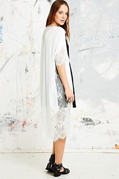 Pins & Needles Lace Longline Kimono Jacket in White - Urban Outfitters