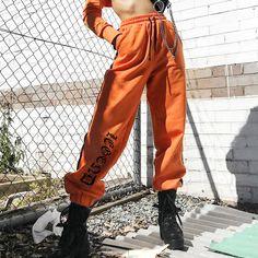 Foto de Festa Junina Festa No Brasil Casal Brasileiro Vestindo Camisas Xadrez Verificar Homem E Mulher Vestindo Roupas Padrão Estão Dançando E